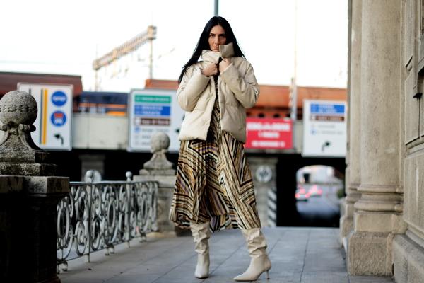 piumino super chic, outfit, look, influenceritaliana, verona, paola buonacara , influencer verona, piumino, sconti shein, shein , cyber monday, cyber monday shein, themorasmoothie, look chic, vestito multirighe, vestito multicolor