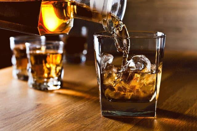 Alcohol là gì ? Rượu bia có hại cho cơ bắp không