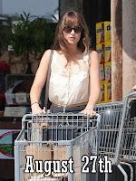 http://dakotajohnsonlife.blogspot.com/2018/08/hq-pictures-of-dakota-shopping-at.html