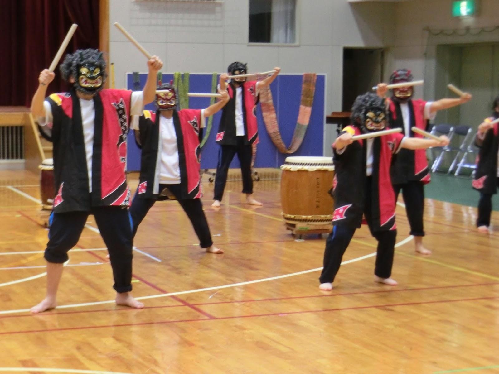 玉城わかば学園~和太鼓クラブ~: わかば祭で発表しました!~鬼太鼓~
