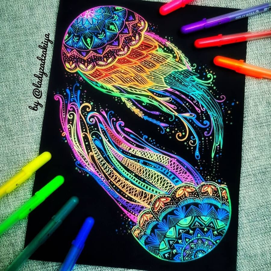 02-Colorful-jellyfish-ZSH-www-designstack-co