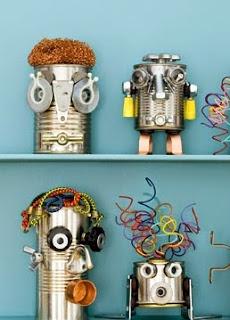 http://manualidadespararegalar.info/robots-hechos-con-latas-recicladas/