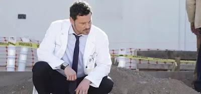 O ator Justin Chambers na 16ª temporada de Grey's Anatomy; o eterno Alex Karev deixou a série hospitalar