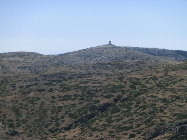 observatorio astrofísico javalambre visto desde pico javalambre