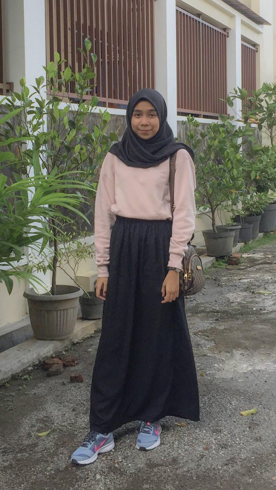 wallpaper muslimah cantik hijab mahasiswi seksi dan imut