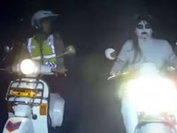 Video Polisi Tilang Kuntilanak Viral, Ternyata Ada 2 Video Brigadir Bayu Kristiana Yang Gokil Habis!