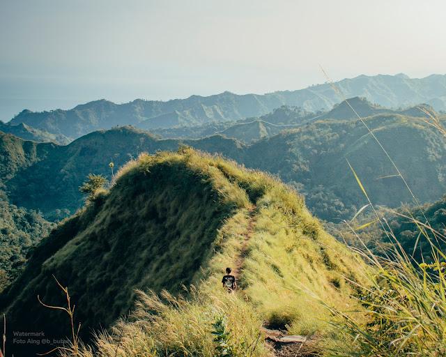 Gunung Tumpeng atau Gunung Koneng ? - Gugusan Perbukitan Menarik di Kawasan Girimukti Ciletuh Palabuhanratu Unesco Global Geopark