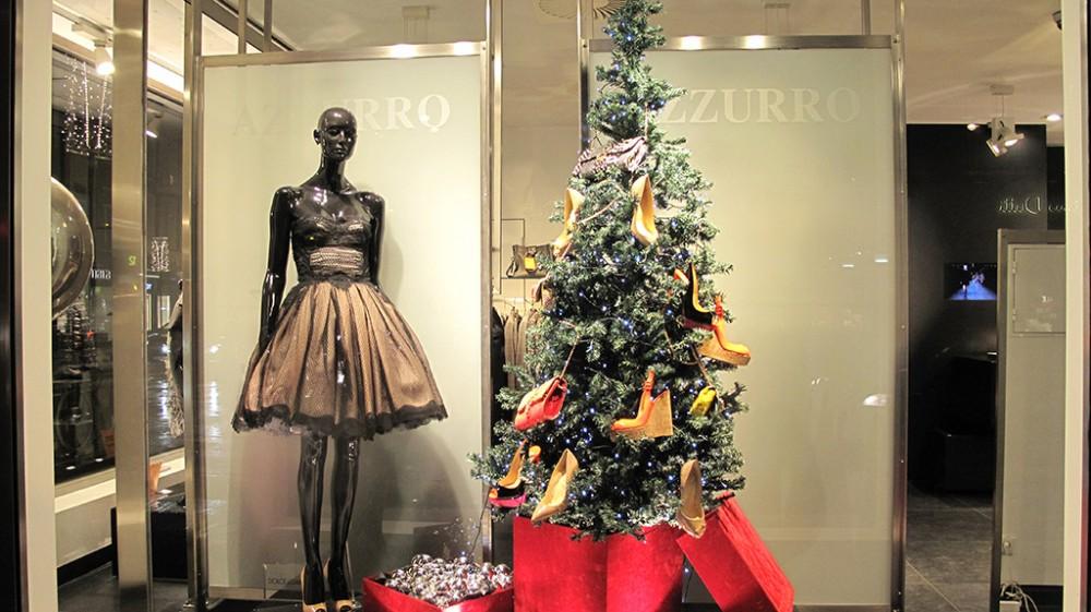 одной оформление магазина одежды к новому году фото действия диоптрического