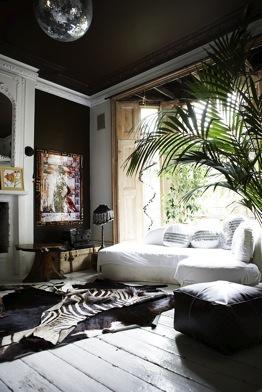 47 Park Avenue Black Painted Ceilings