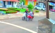 Casal de assaltantes derruba mulher de moto em tentativa de roubo em Pedreiras