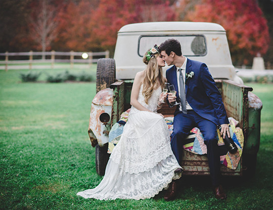 Vintage Fall Wedding photo Inspiration in Alabama
