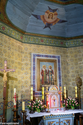 Ołtarz w prezbiterium