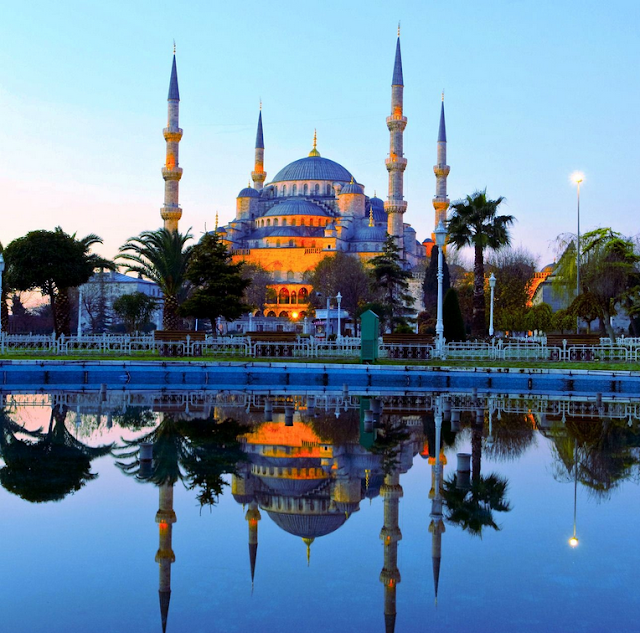 Sultan Ahmed Mosque with river view