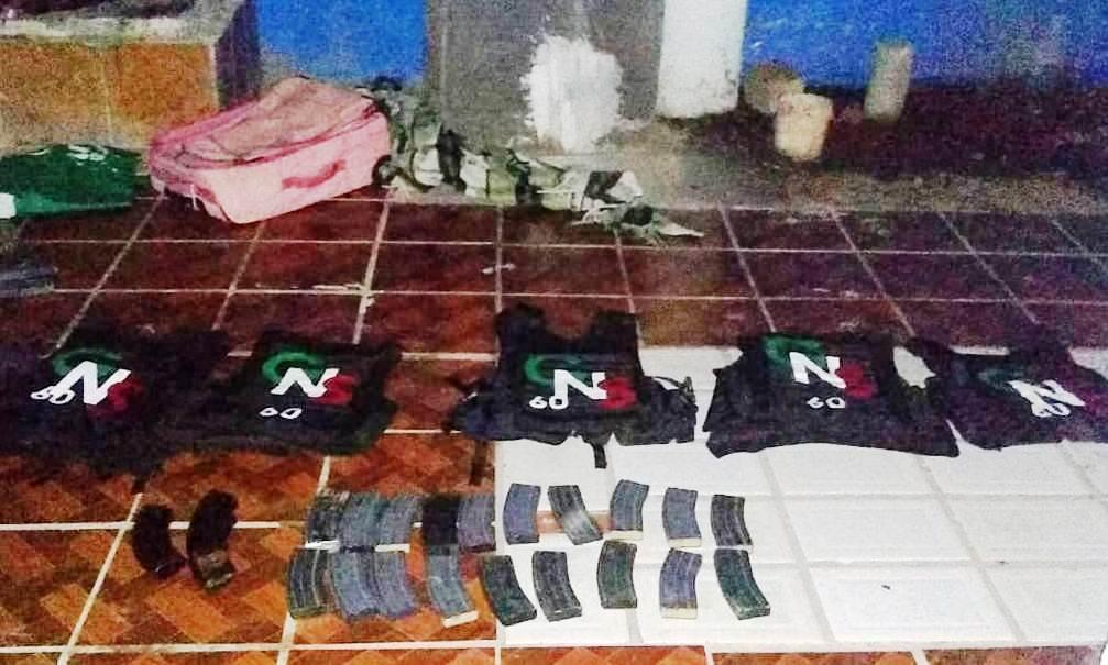 Aseguran a Gente Nueva de los Salazar armas y equipo táctico en Acambaro; Guanajuato