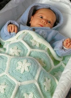 http://amicrochet.blogspot.com.es/2010/01/manta-bebes.html