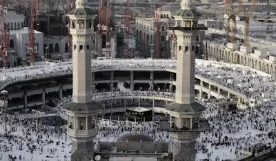Arab Saudi Hentikan Penerimaan Jamaah Umrah