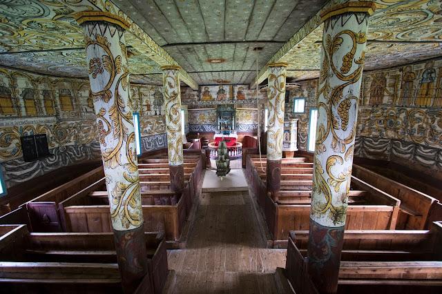 Stordal-Interni affrescati della Chiesa