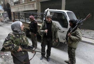 http://1.bp.blogspot.com/-HsJYXzirHXo/UiAG-cIdZoI/AAAAAAAAIOI/tTfiC5Ly-kc/s1600/sniper_wanita_arab_syria_6.jpg