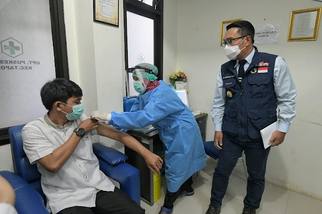 Gubernur Jabar  Pantau Simulasi Pemberian Vaksin COVID-19 di Kota Depok