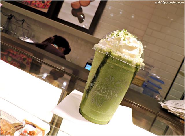 Bebida Godiva de Matcha en Tokio