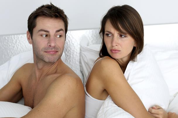 أسباب نفور الزوجة من فراش الزوجية