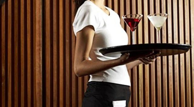 Ζητείται κοπέλα για σέρβις σε κοκτέιλ-καφέ στο Τολό