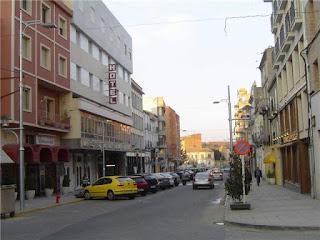 Avenida Aragón con Hotel La Paz de Binéfar