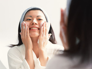 Limpieza facial con espuma