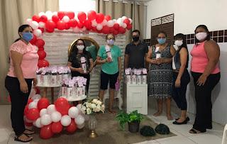 Pilõezinhos: Idosas do 'Grupo Viver Bem' recebem lembrancinhas em comemoração ao Dia das Mães