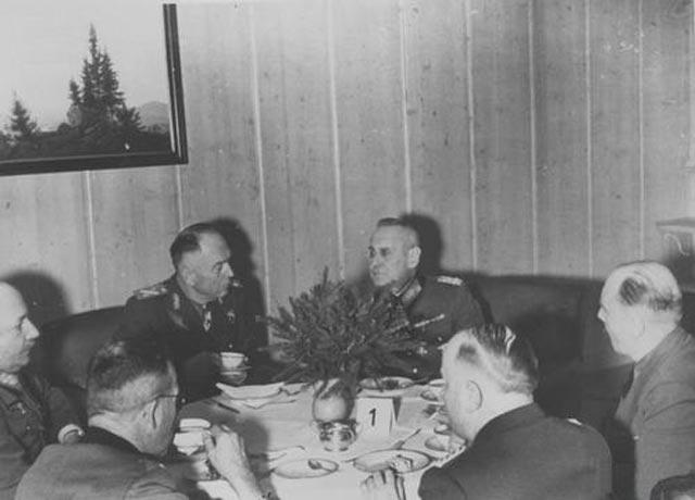 Franz Halder and Antonescu worldwartwo.filminspector.com