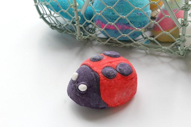 lush-ladybird-bubble-bar