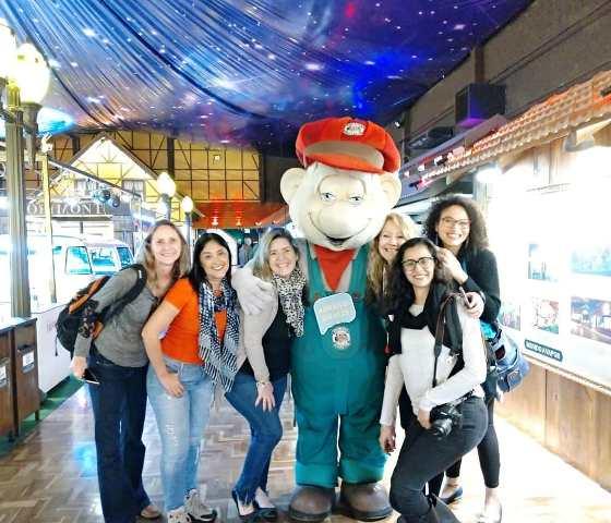 Ana, Regina, Daniela, Eu, Julia e Denise no Parque Temático Mundo a Vapor, em Canela