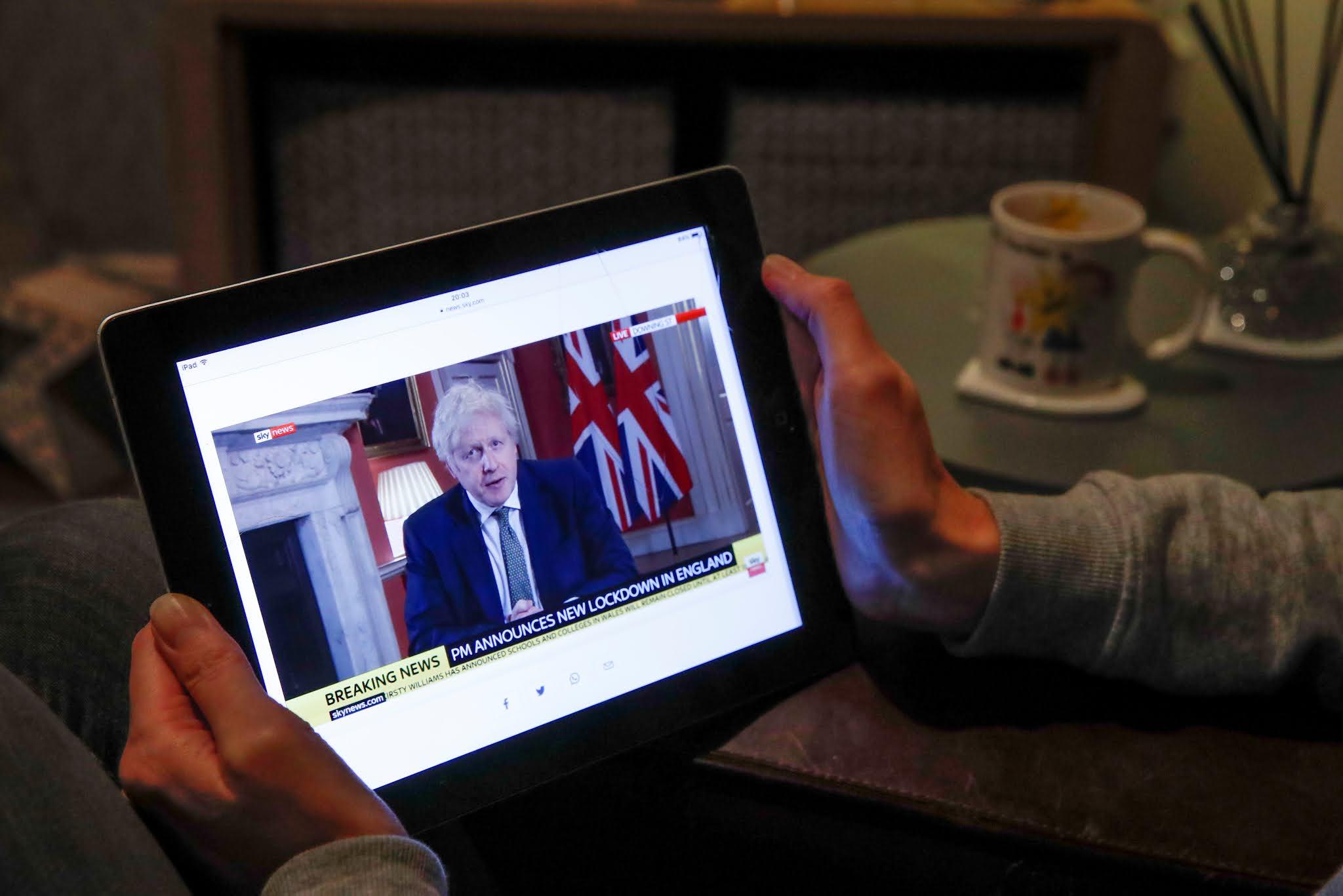 El Reino Unido vuelve a una cuarentena estricta hasta mediados de febrero ante la nueva ola de COVID-19