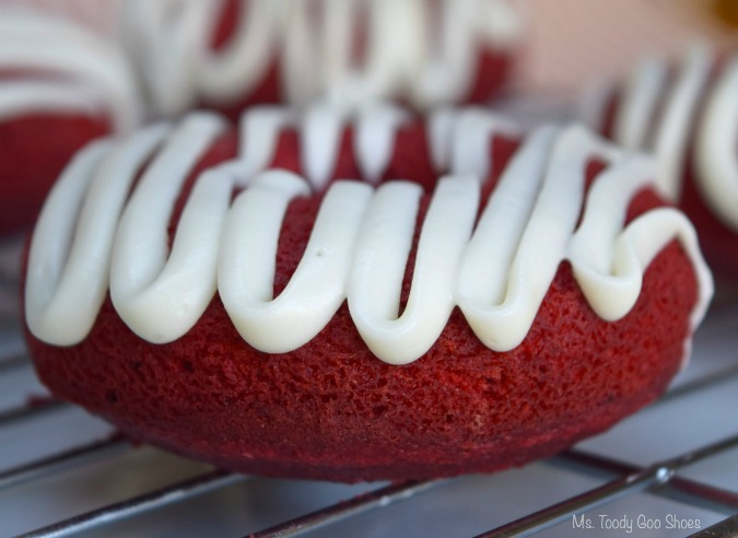 Red Velvet Baked Donuts - This is the best red velvet recipe I've tried - dense, moist, and just the right amount of sweetness. #redvelvet | Ms. Toody Goo Shoes