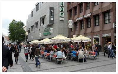 Kawiarnie,sklepy,domy towarowe...