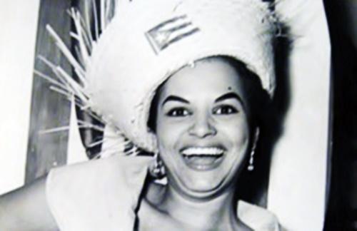 Blanca Rosa Gil - Besos De Fuego