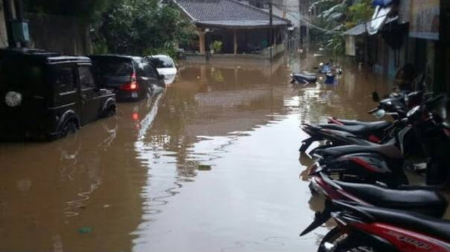 Munarman Sebut Relawan FPI Dibubarkan Saat Beri Bantuan ke Korban Banjir di Jaktim.lelemuku.com.jpg