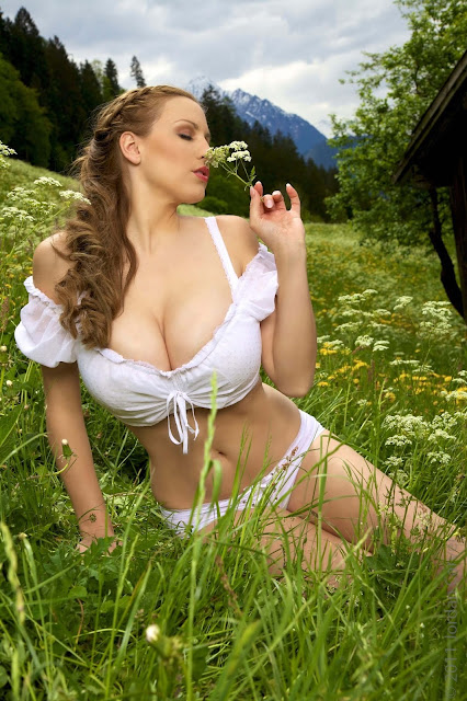 Jordan-Carver-No-Sin-On-The-Alp-photoshoot-picture-no.-21