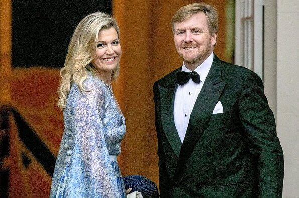 Queen Maxima wore an organza-printed wide sleeves dress by Luisa Beccaria. Luisa Beccaria Spring 2017 RTW collection
