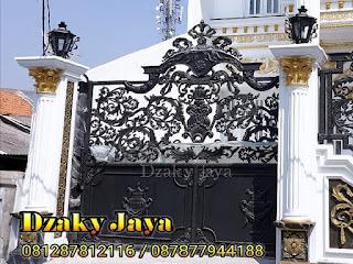 Model pintu pagar besi tempa klasik yang mewah dengan kombinasi full ornamen alferon.