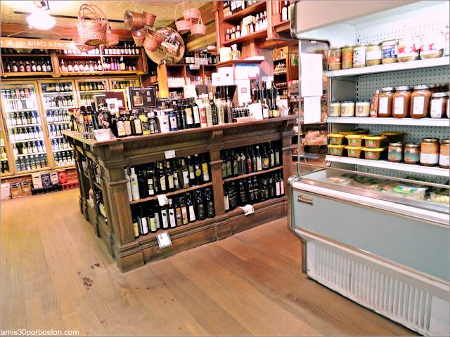 Interior de la Tienda Épicerie J.A. Moisan en la Ciudad de Quebec