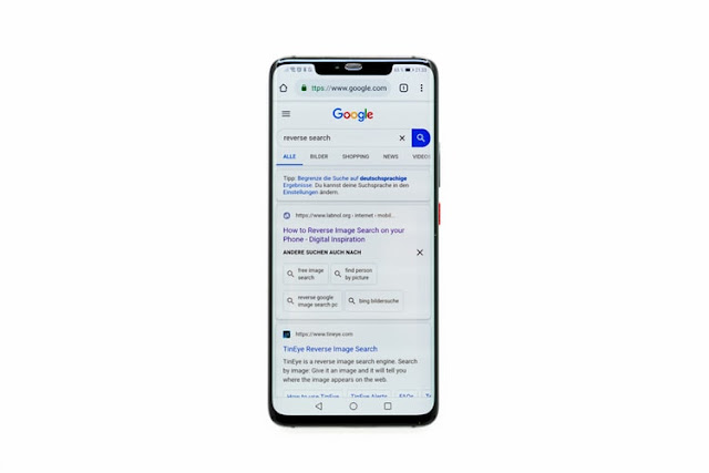 Google is Testing Web Search Results Without URLs