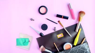 Tips Agar Make Up Untuk Kulit Berminyak Tahan Lama