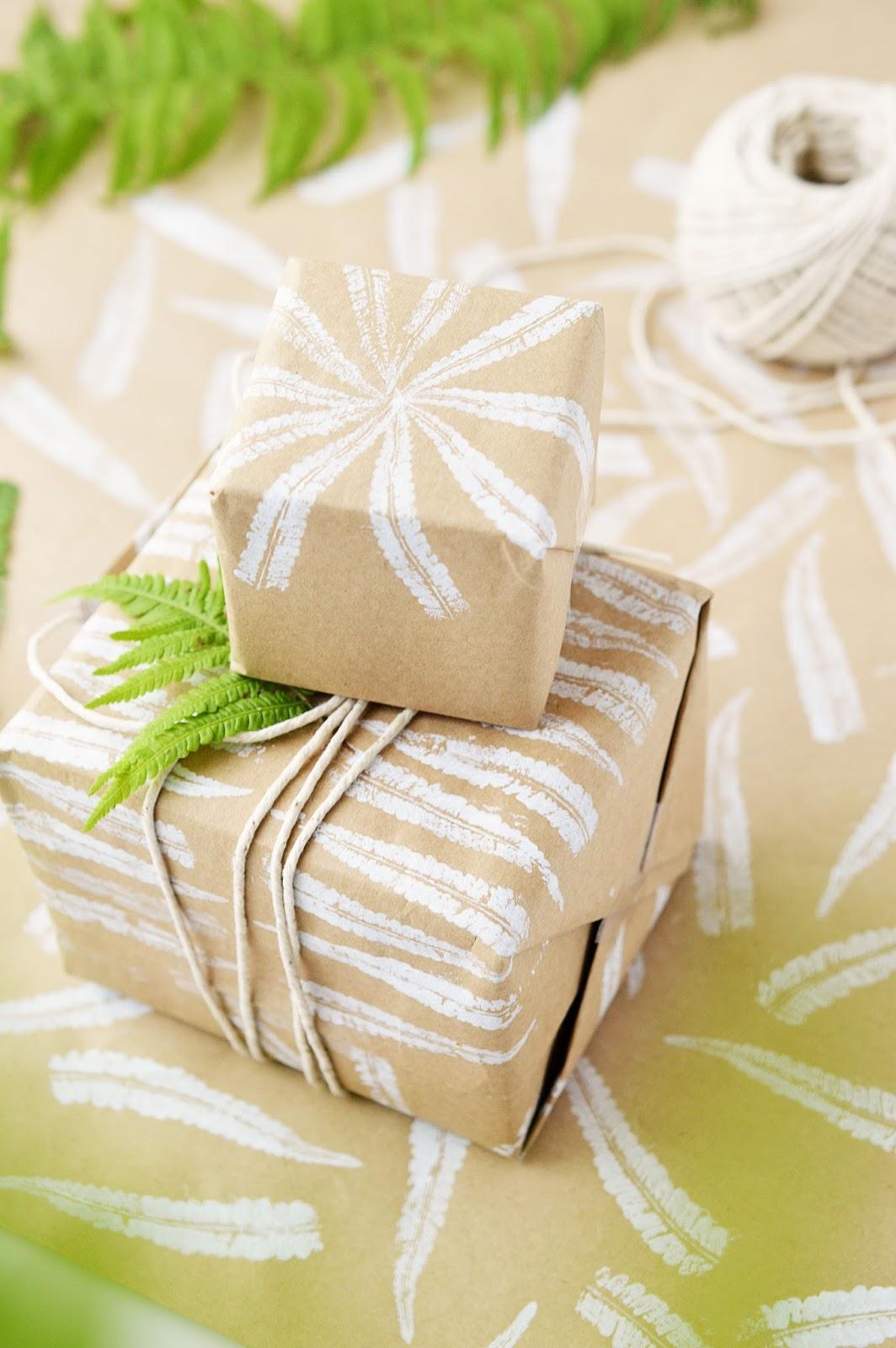 DIY Fern Stamping Gift Wrapping | Motte's Blog