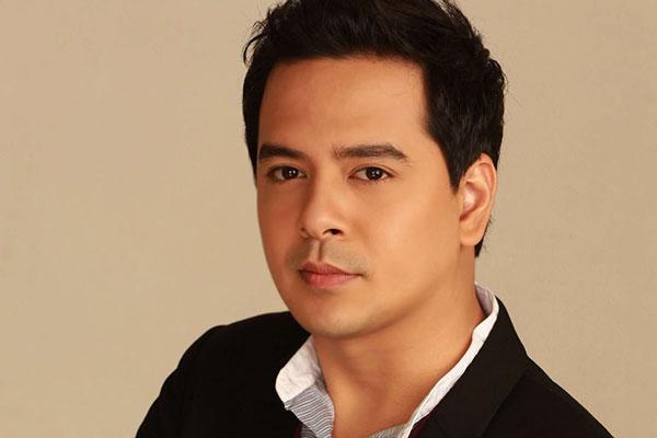 Beteranong Aktor Na Si Dennis Padilla May Inihayag Na Sikreto Tungkol Kay John Lloyd At Sarah!