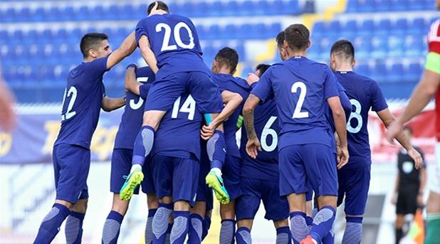 Η αποστολή των παικτών της Εθνικής Ελπίδων για το φιλικό ματς με την Κύπρο