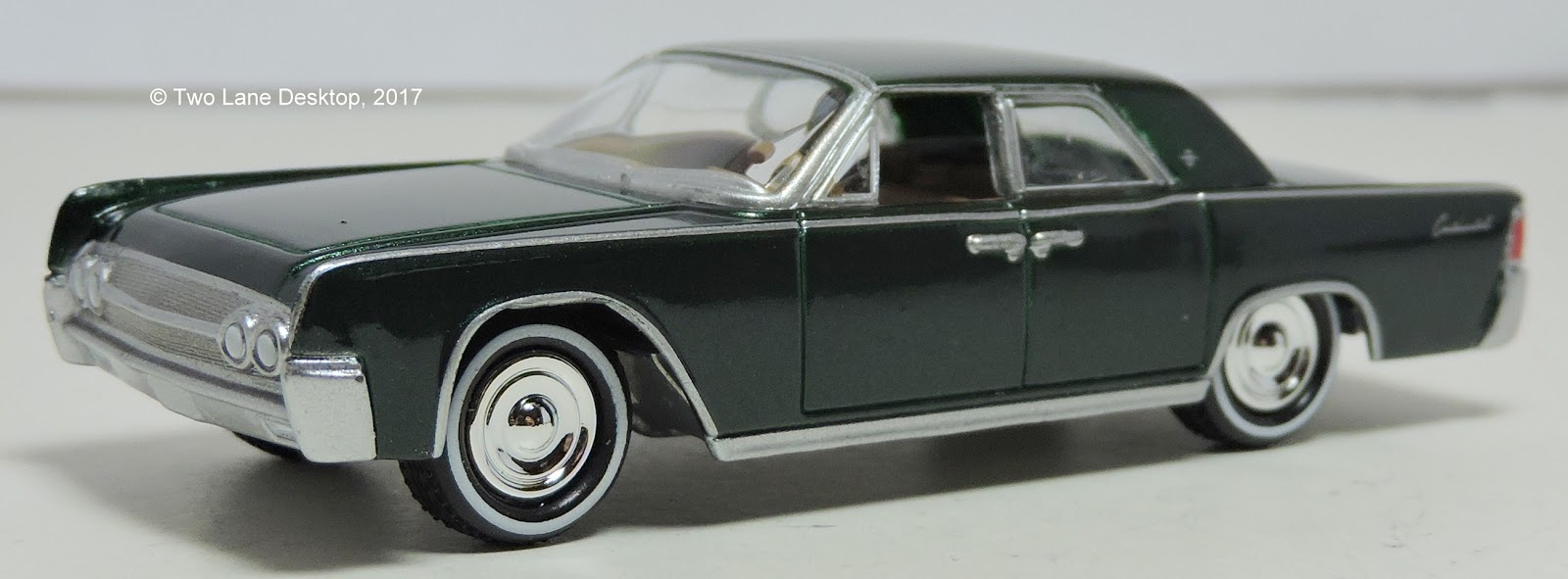 two lane desktop johnny lightning 1961 coupe and hot wheels 1964 lincoln continental convertible. Black Bedroom Furniture Sets. Home Design Ideas
