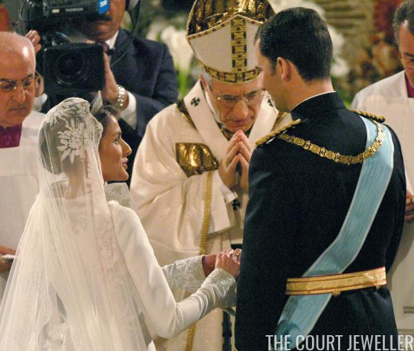 Queen letizia wedding ring