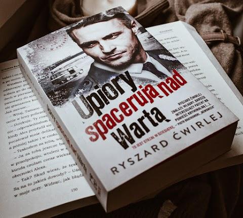 """""""Upiory spacerują nad wartą"""" Ryszard Ćwirlej. Wydawnictwo Muza. PRL-sowski kryminał."""