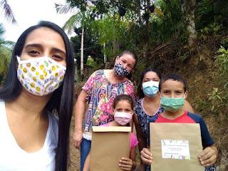 Educação inicia entrega de 2.150 kits de materiais didáticos para atividades remotas da rede municipal de ensino.